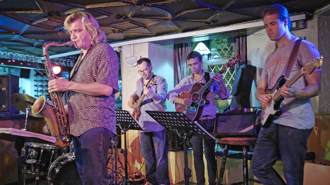 Lyndon Owen and Caractacul Downes (Coltrane Dedication) gigging with Italy's Emanuele Graffiti